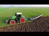 Вспашка поля трактором Fendt 1050 vario