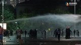 Protest cu sute de r