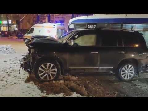 Accident grav cu o Toyota și un Renault în Chișinău 2019