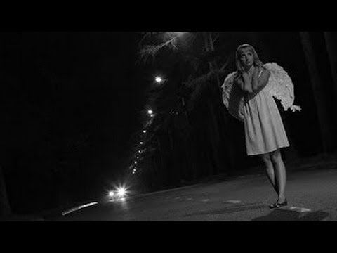 Ангелы спасают на дороге .