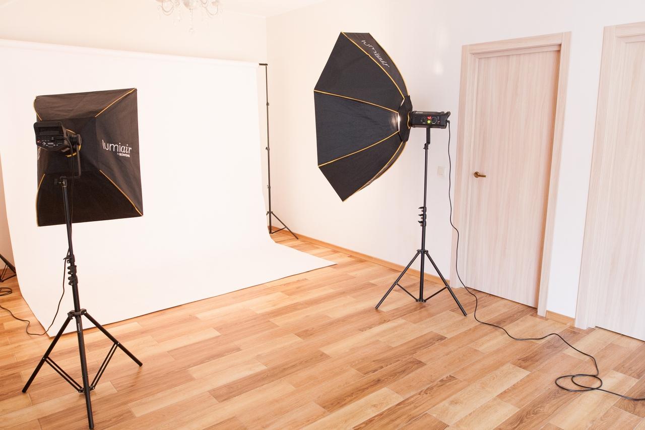 фотостудия в аренду с прозрачным кубом