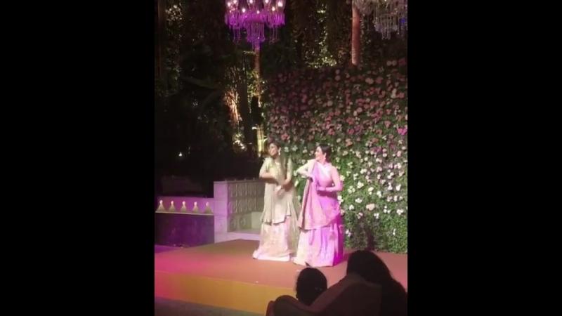 дуэт Нита Амбани и Иша Амбани сделали для идеальной танцевальной пары!