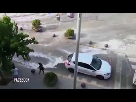 Цунами в Испании Первые фото и видео стихии Пострадавших нет