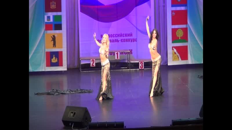 Студия танца En Dehors - дуэт Ильина Алина и Полухина Елена. Хореограф Черменева Яна.