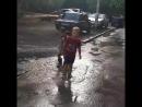 для детского счастья нужен дождь и большая лужа!