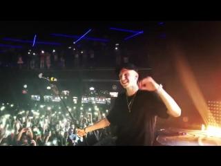 T-Fest исполнил песню Басты - Сансара ...ерте NR (480p).mp4