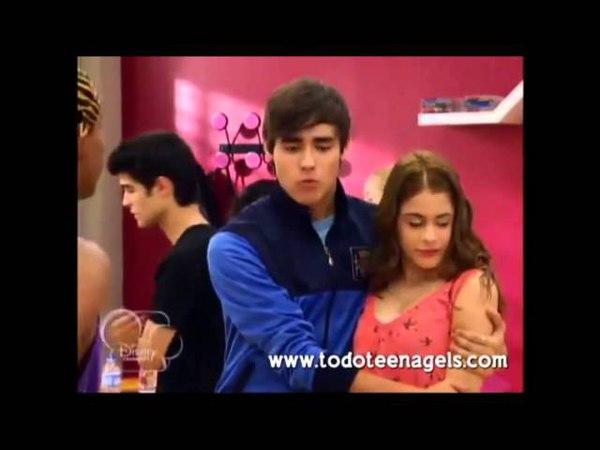 León y Violetta Kiss the girl
