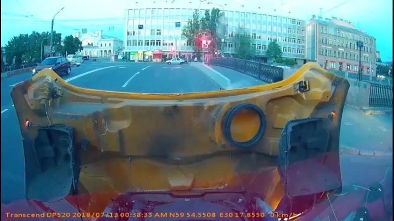 Автобус и мотоциклист