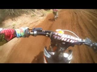 Бриттани Кусберт (девушка на мотоциклетных гонках GoPro) (Fuchs Silkolene)