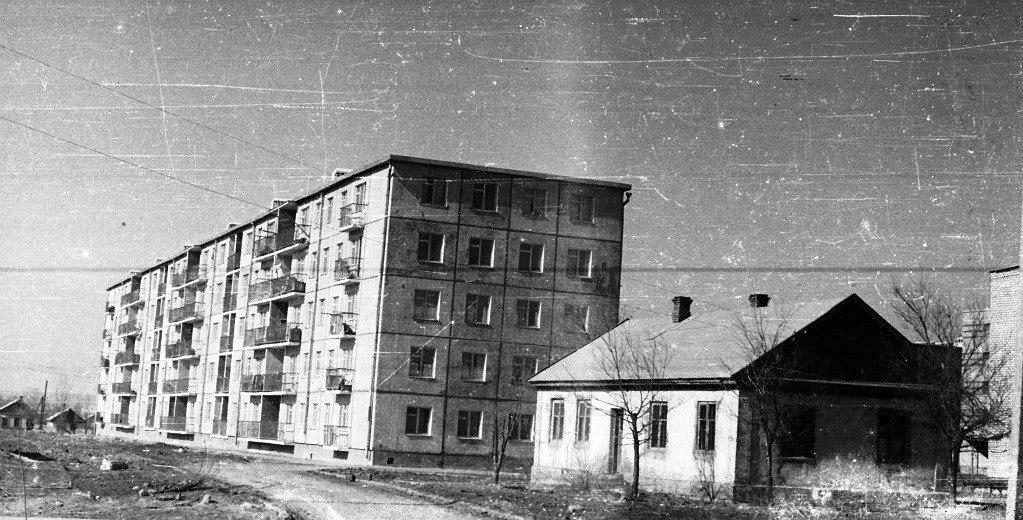 Дом №12 в 1 микрорайоне. 1970 год