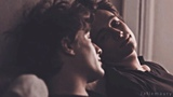 marie mostly skamfr edits on Instagram to celebrate rocco and maxence's meeting and cute selfie, here's a lill edit of elunicotino's parralels...