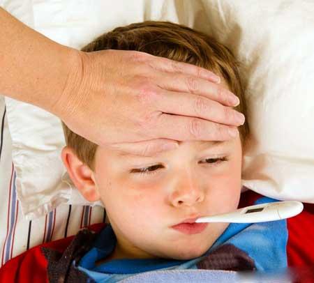 Ротавирус может сопровождаться лихорадкой.