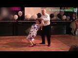 Танец пожилой пары