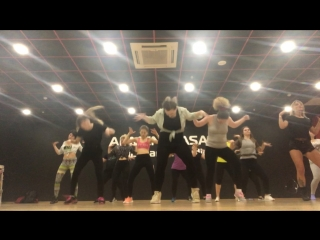 Female dancehall intensive/valfox/beg