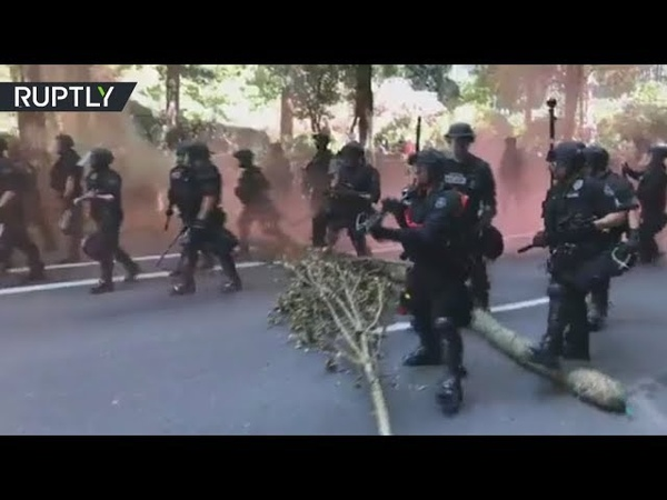 Portland protest Clashes erupt as Patriot Prayer Antifa stage rival rallies