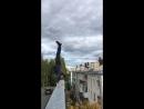 Стойка на руках на крыше 5-ти этажного дома😊