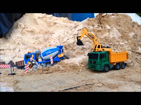 Double Eagle R/C MAN Tipper Truck Excavator