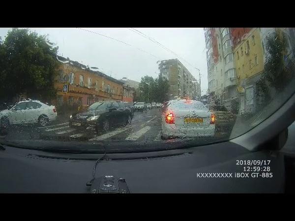 Саратовцы возмущены поведением таксиста-автохама