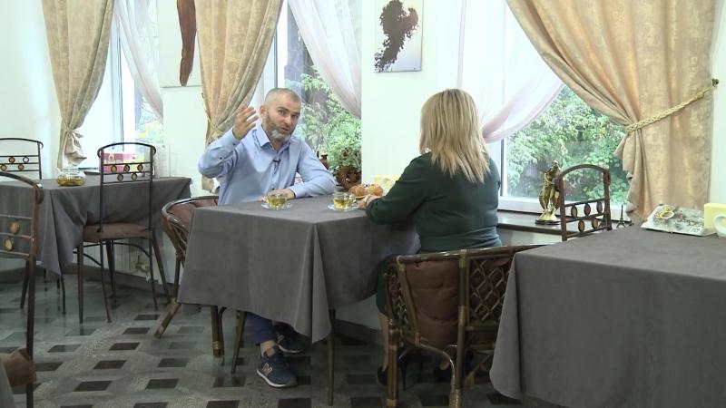 Поговорим с политологом членом общественно политического движения Суть времени Аланом Мамиевым