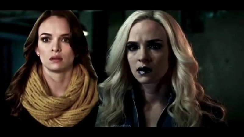 The Flash - Caitlin Snow Killer Frost vine