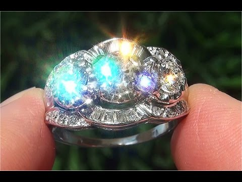 Estate VS2/G Natural Diamond 3 Stone Past Present Future 14k White Gold Anniversary Ring - C890