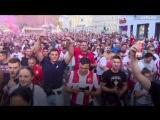 Толпа сербских фанатов в Австрии