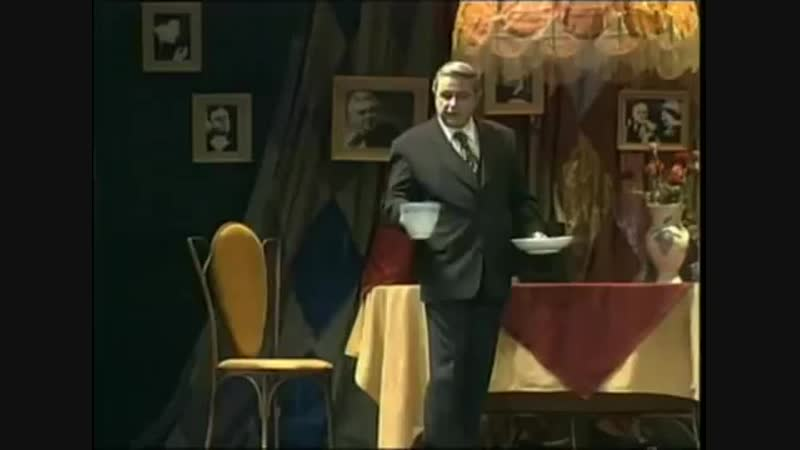 Е._Петросян_-_монолог__Жалко_богатых__(1999).mp4