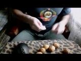 колю орехи