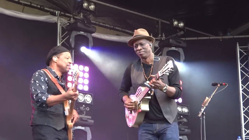 Keb' Mo' - Am I Wrong - Roots in the Park 2016