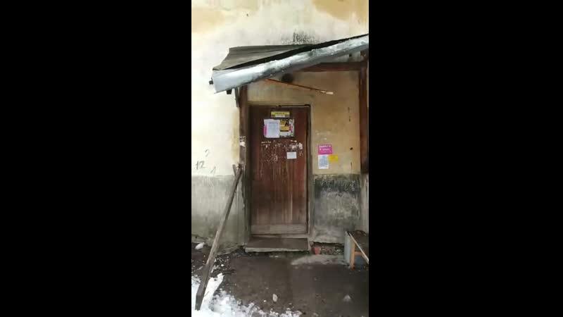 Глыба в Петрозаводске чуть не убила детей