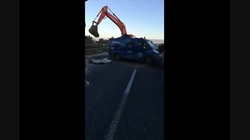 Ограбление по итальянски Броневик Poste Italiane с 2 000 000 евро 2 января остановили на шоссе неподалеку от города Бари