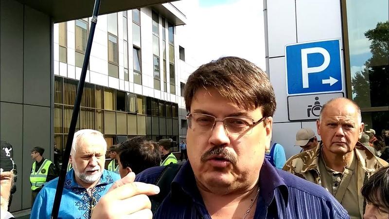 Адвокат бойцов батальонТорнадо военнаяпрокуратура, прокурор которой избивал бойцов с криками Ну что, суки бандеровские, довоевались - это агентура оккупантов