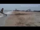 Приколы на пляже с девушками видео... Часть 1