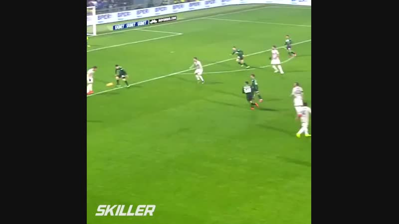 Skiller (Football_Soccer) on Instagram_ _Ronaldo h(MP4).mp4