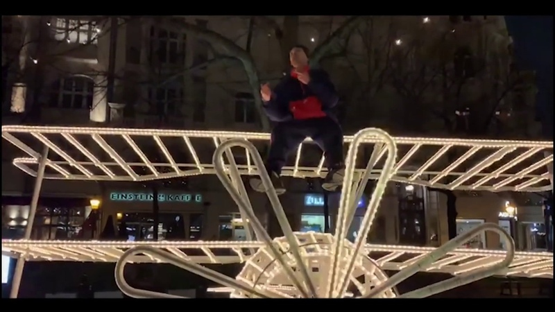 КАПИТАЛ БРА (Capital Bra) - ПТИЦА OFFICIAL VIDEO CLIP (DECEMBER 2018) SONGTEXT LYRICS