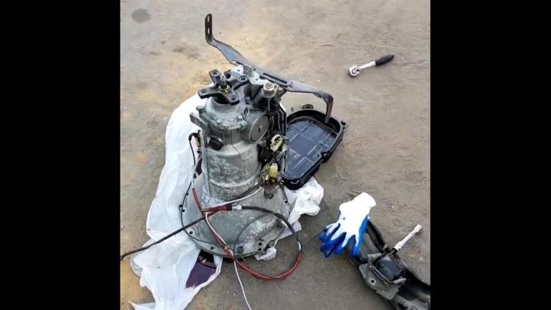 По просьбе клиента мы провели вскрытие автоматической коробки передач. Акпп с Mercedes W140 S600. Данный АКПП будет установлен н
