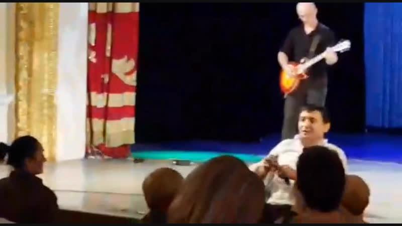 Отрывок с выступления в городе Краснодаре. Наш хит «Простые истины».