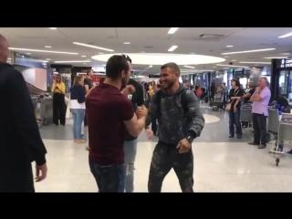Василий Ломаченко прибыл в США на подготовку к бою с Хосе Педрасой
