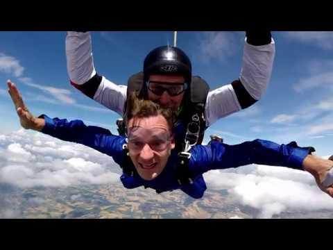 Якуб Корейба прыгнул с парашютом! Видео прыжка