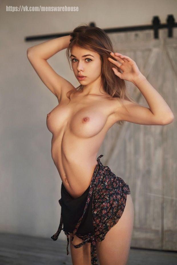 Nude sluts get their twat screwed