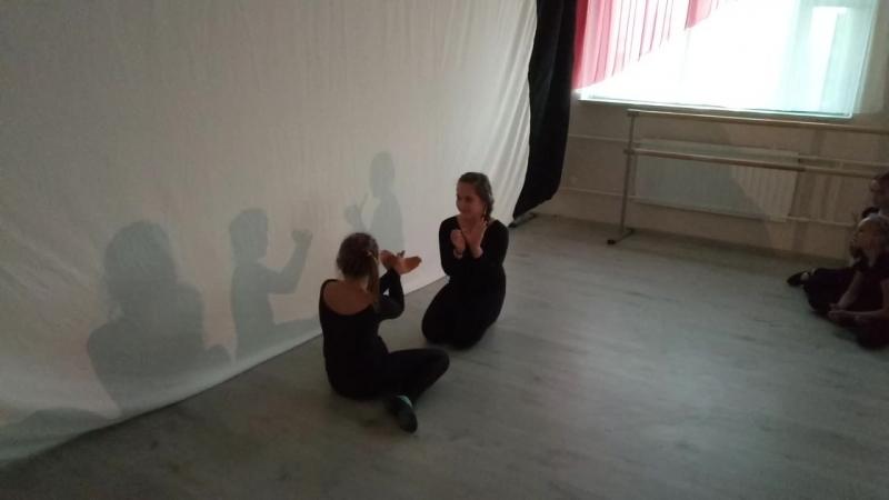 Диана и Алиса. Этюд Обида. Детский Театр Танца и Светотени Плазма.mp4