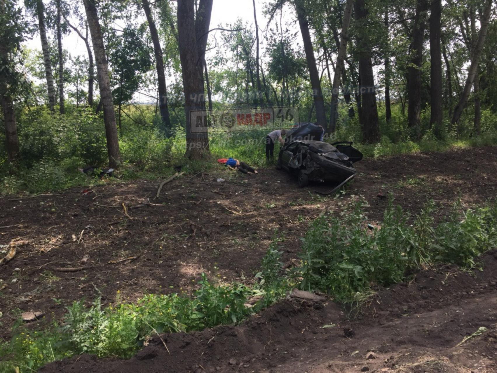 Под Курском в опрокинувшейся иномарке погибли два человека
