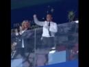 Brigitte et Emmanuel Macron в Instagram- «🎊🇫🇷 emmanuelmacron coupedumonde2018 victoire brigittemacron fiersdetrebleus»