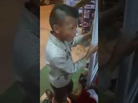7 tuổi mà đã biết đi tán gái rồi này