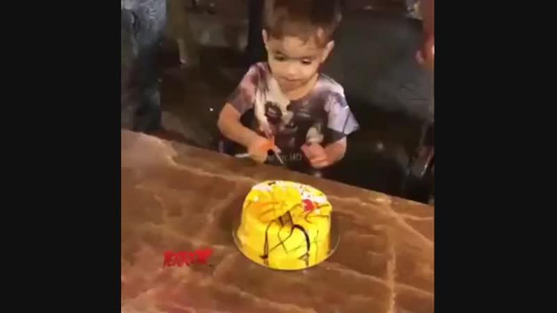 Малыш пожалел что родился / самый лучший день рождения / с днюхой ёпта))