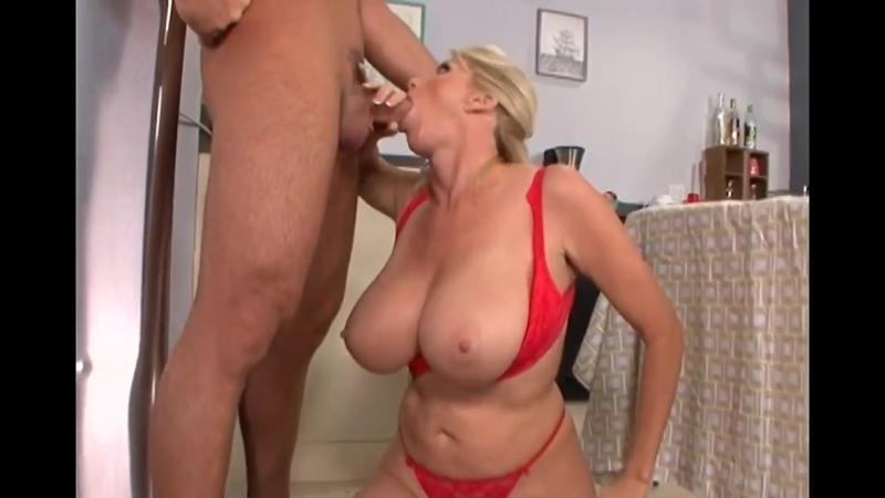 Зрелая баба трахает молодого парня, big huge milk tit best busty blond milf sex