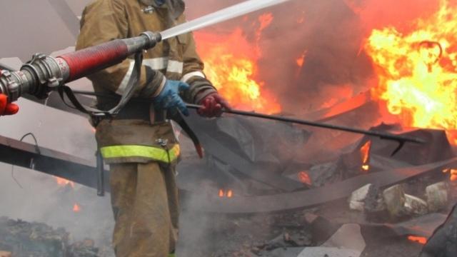 Пожар уничтожил баню в Зеленчукской