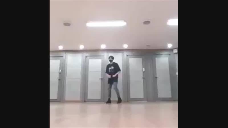 чонгук практика танец
