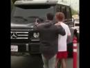 Джастин Бибер выбил  из рук фаната телефон