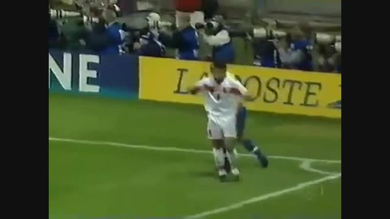 Edmundo x Marrocos Copa 98 (online-video-cutter.com)